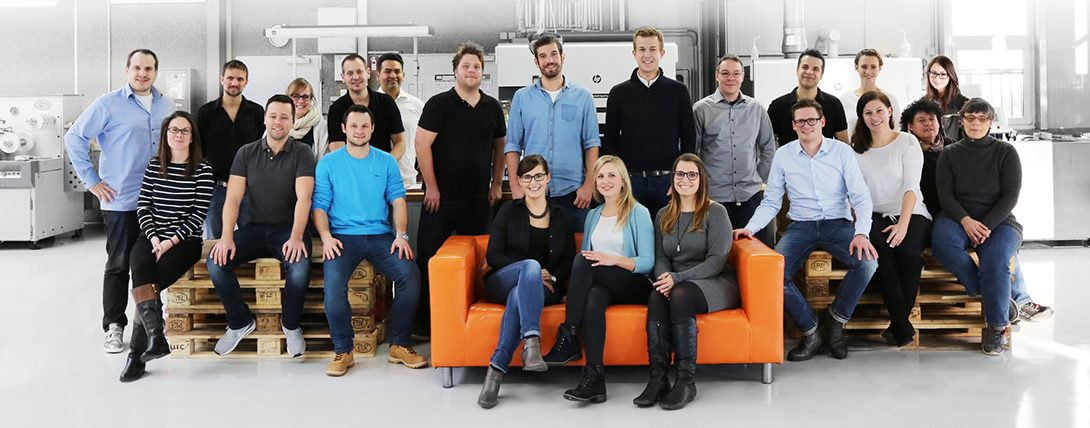 Ons unieketiket.nl team staat voor u klaar per e-mail of per telefoon